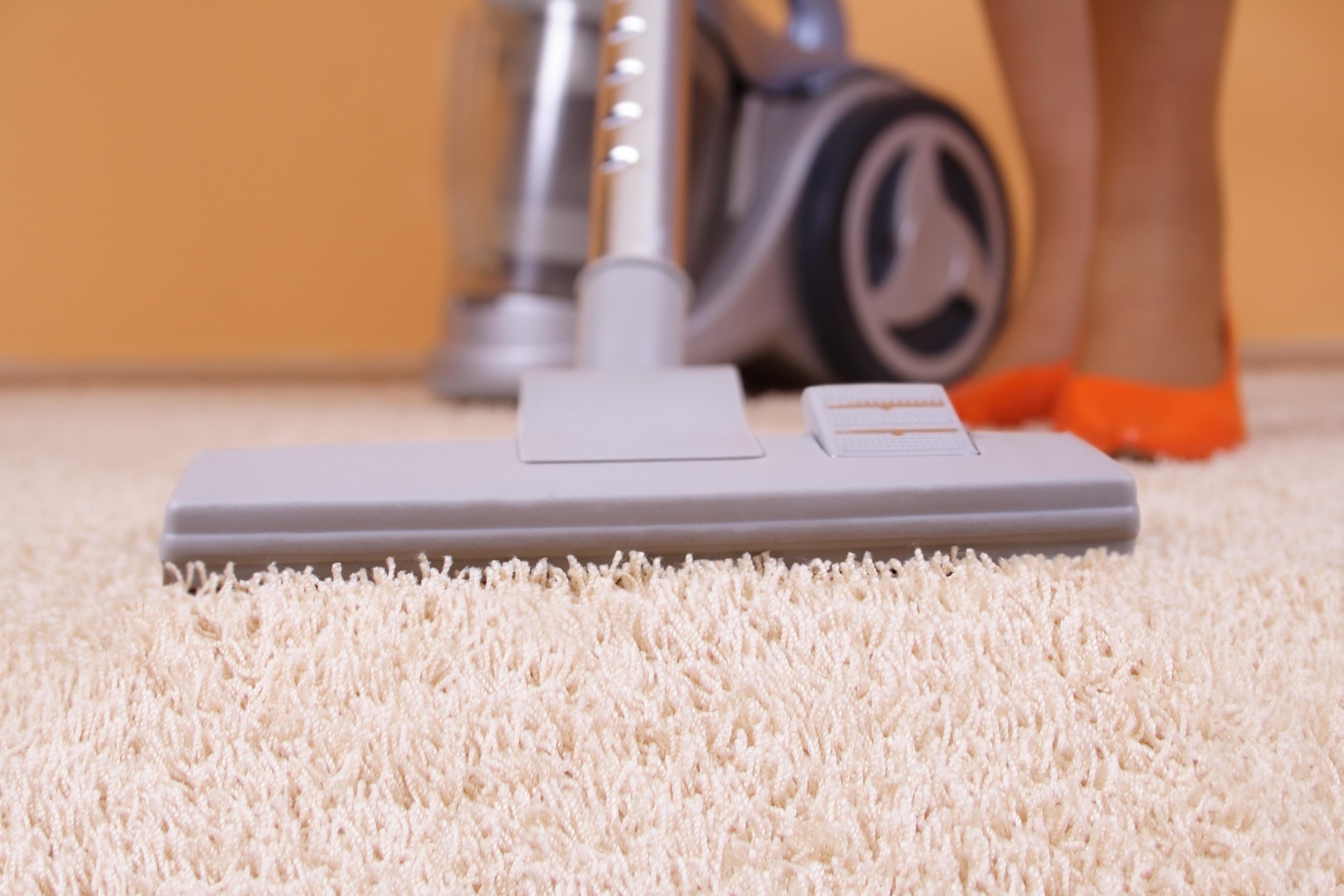 Как почистить ковер с высоким ворсом в домашних условиях